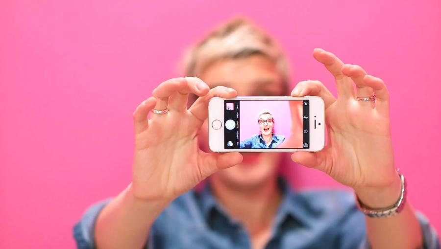 HOW TO TURN SOCIAL MEDIA INTO A MAJOR SOURCE OF BUSINESS WINS - without caption